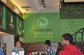 UTTF | Holiday 2011 | Walbergers